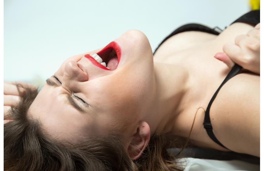 Женская мастурбация: 15 способов сделать себе приятно